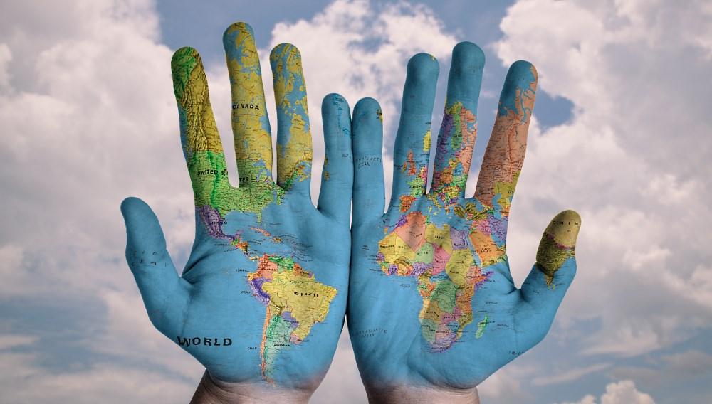 Le monde au bout des doigts