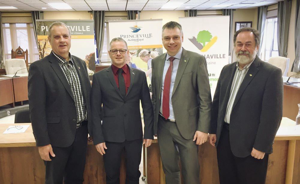 Les villes de Plessisville, Princeville et Victoriaville encadrent maintenant l'utilisation de pesticides sur l'ensemble de leur territoire avec un règlement uniformisé.